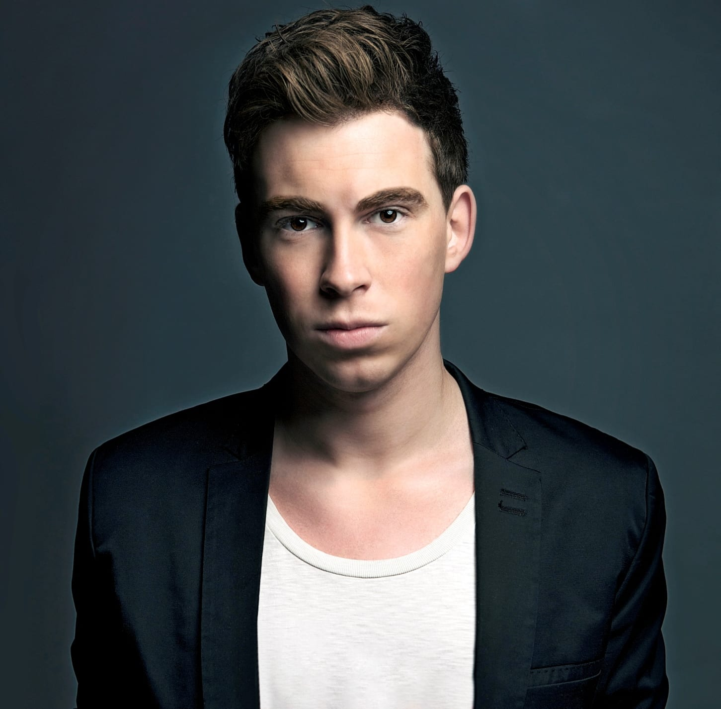 Hardwell – Essential Mix Live @ Cream Privilege (Ibiza) – 04.08.2013