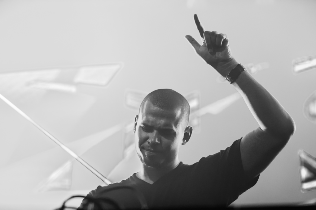 Afrojack Drops 'Wrecking Ball' Remix in Michigan