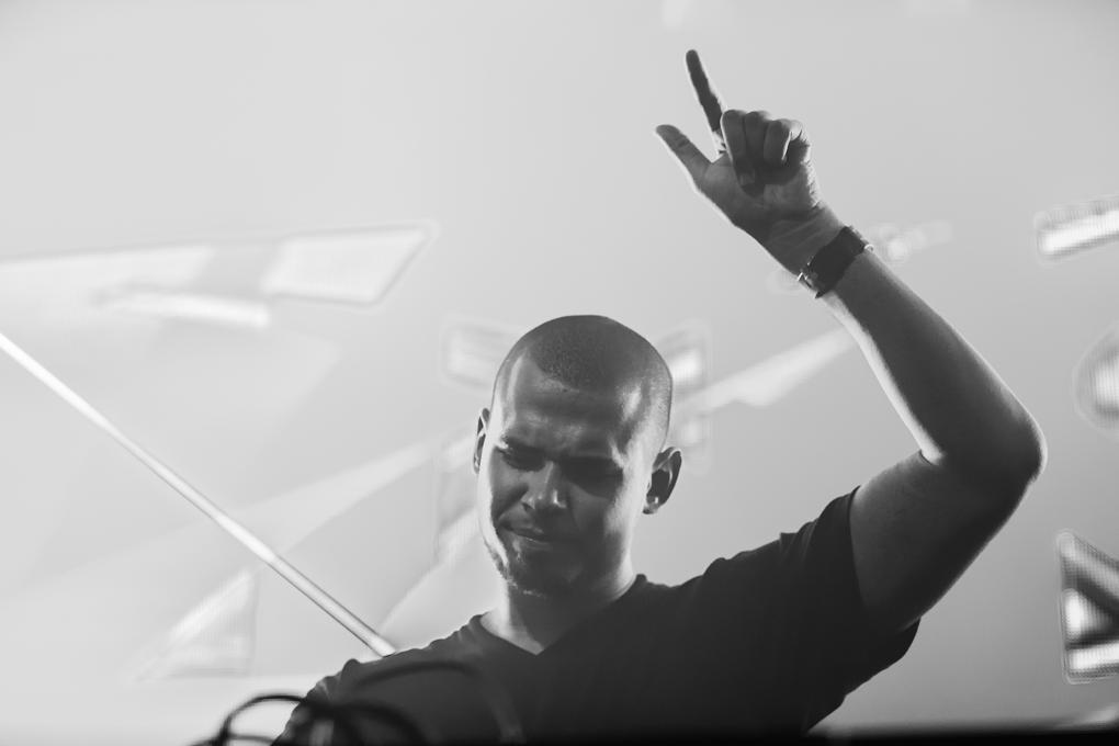 Afrojack Drops 'Wrecking Ball' Remix in Michigan