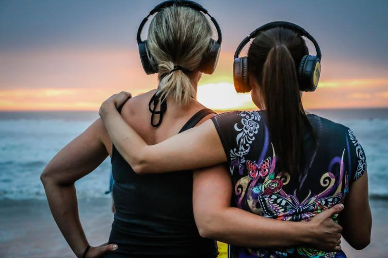 Silent Disco Kicks Off At LA's Santa Monica Pier This Weekend