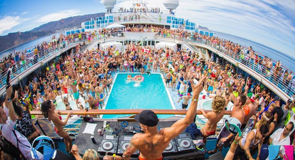 Top 8 Spring Break Destinations Now That PCB Banned Alcohol Page
