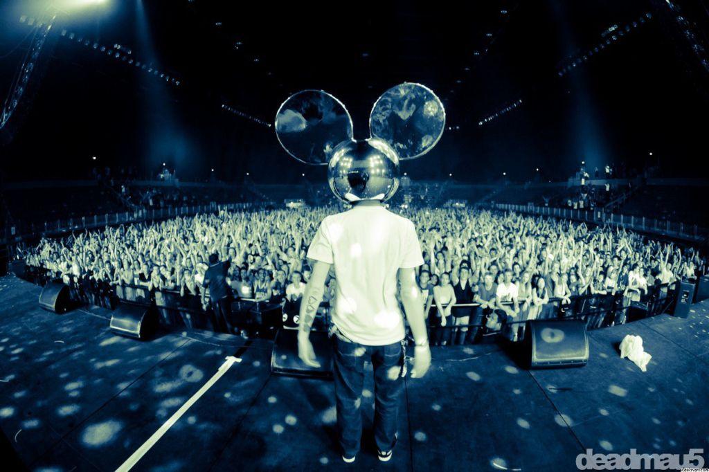 Deadmau5 Drops New Music This Week, And Announces Tour