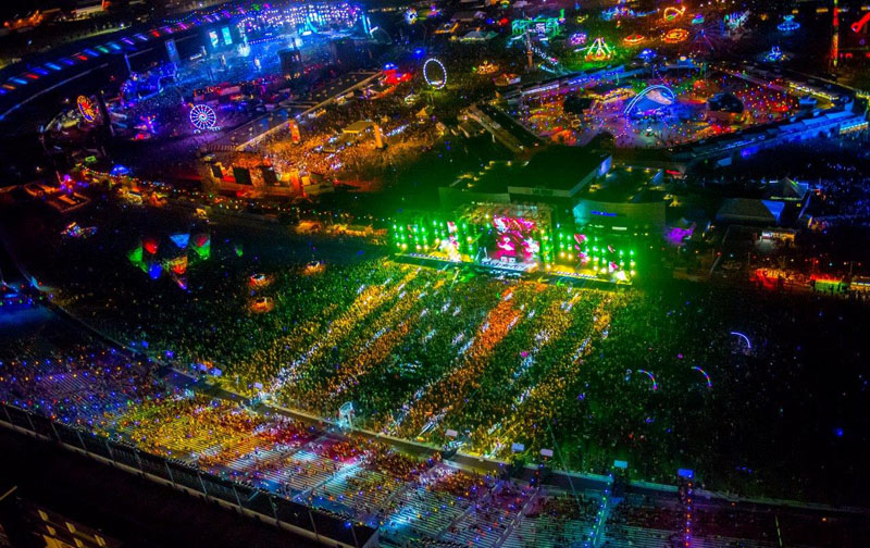 Insomniac debuts official hotel package for edc las vegas for Las vegas motor speedway hotel packages
