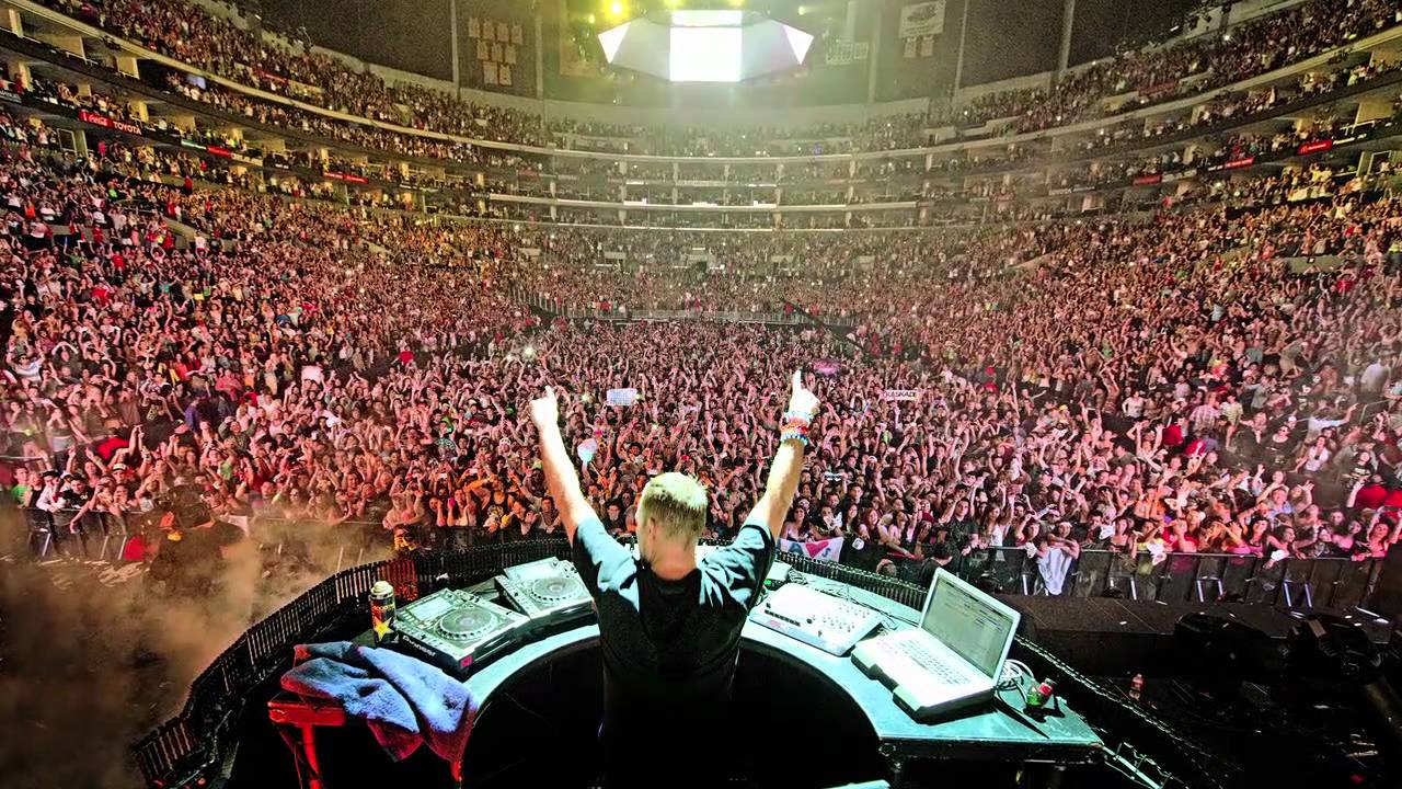 "Kaskade's Planning ""Something Massive"" For LA"