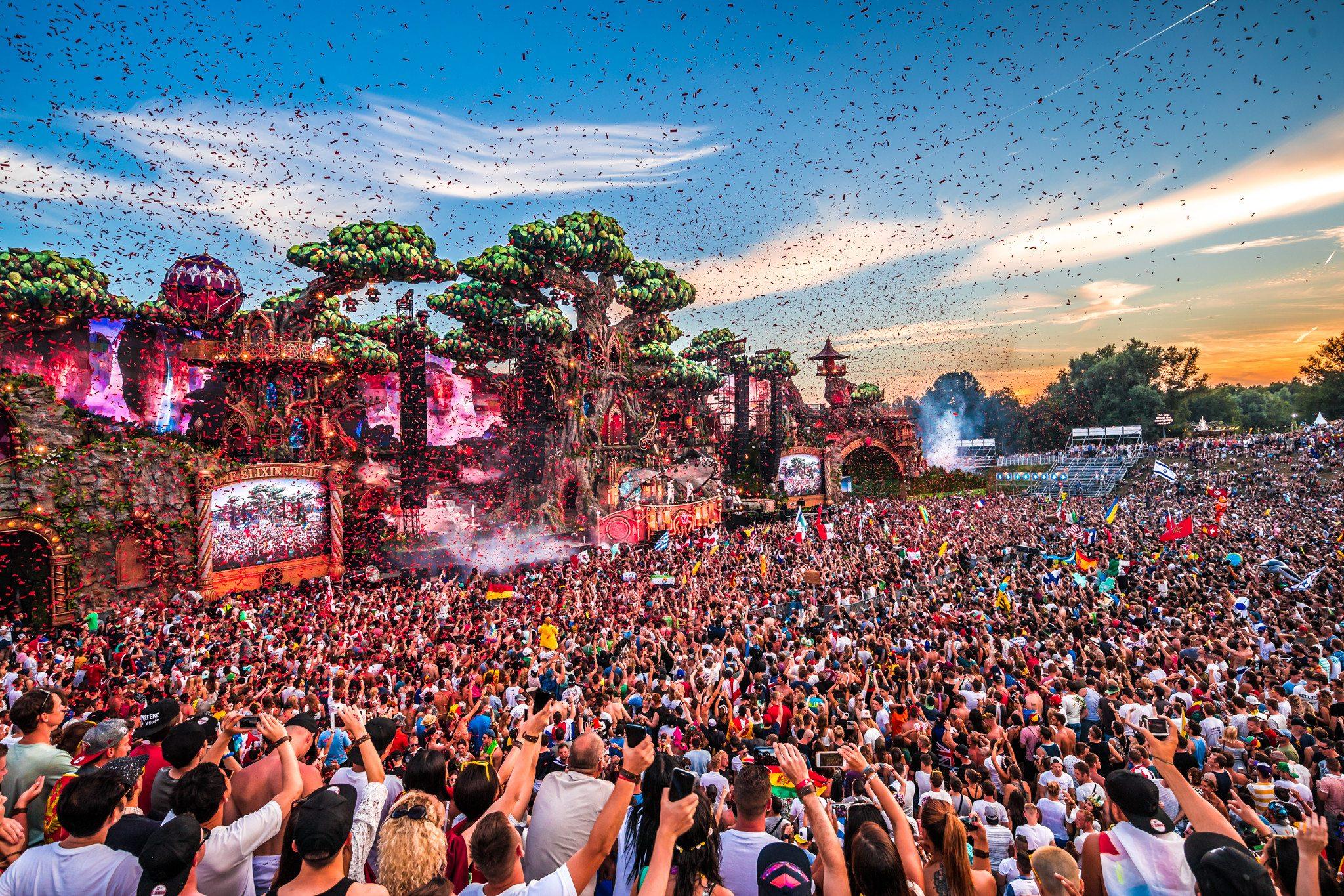 Tomorrowland Festival Opens 'Mesa' Restaurant